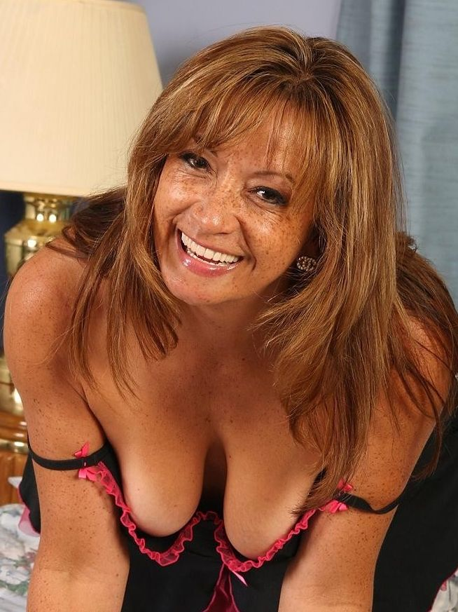 kasbeer milf women Welcome to glamour moms it is a unique site on this site you can look the freshest pictures of moms  naked mature women disclaimer: glamourmomsnet has a zero .