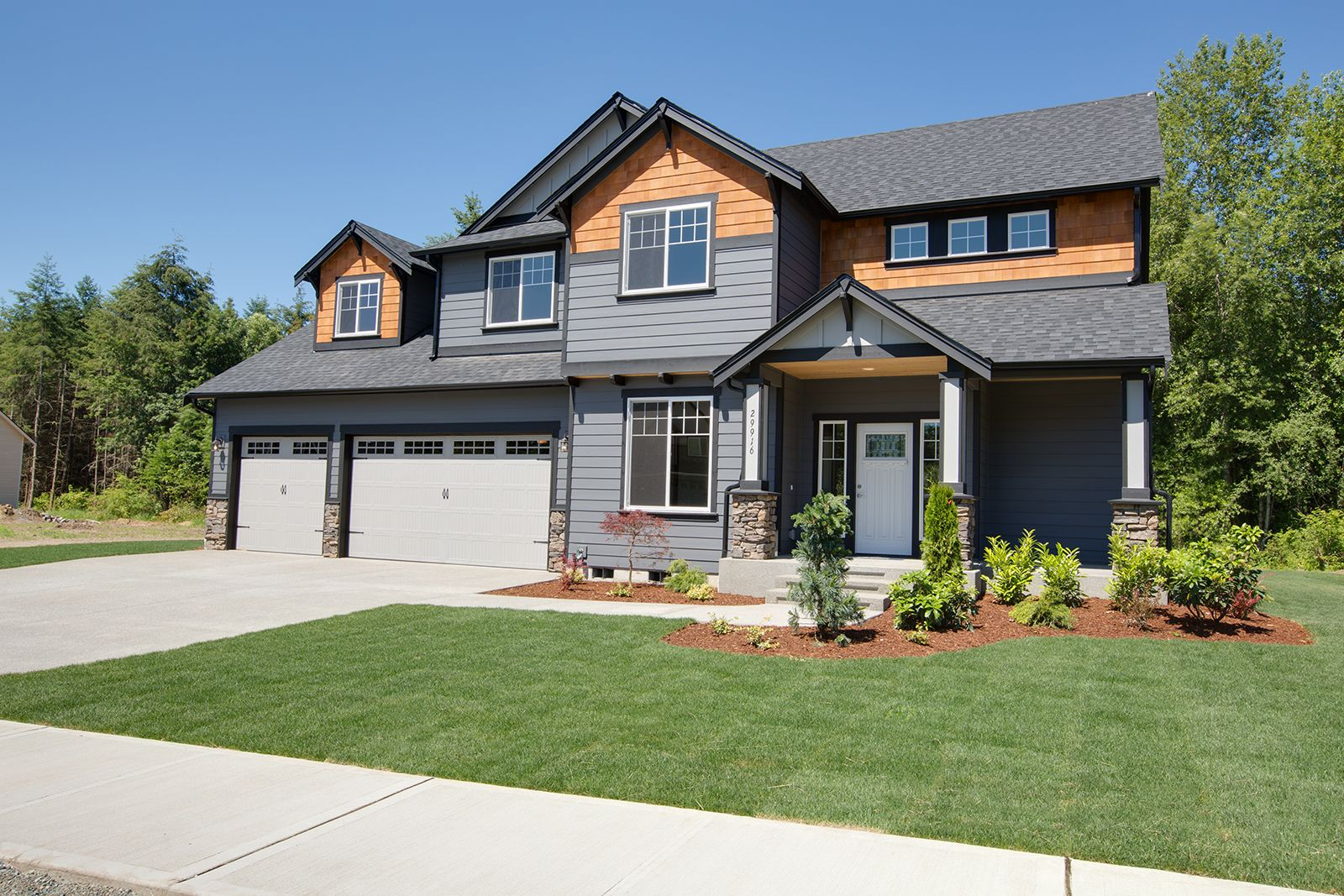 Best Sapphire Home Plan Featuring A 5 Car Garage And Real 400 x 300
