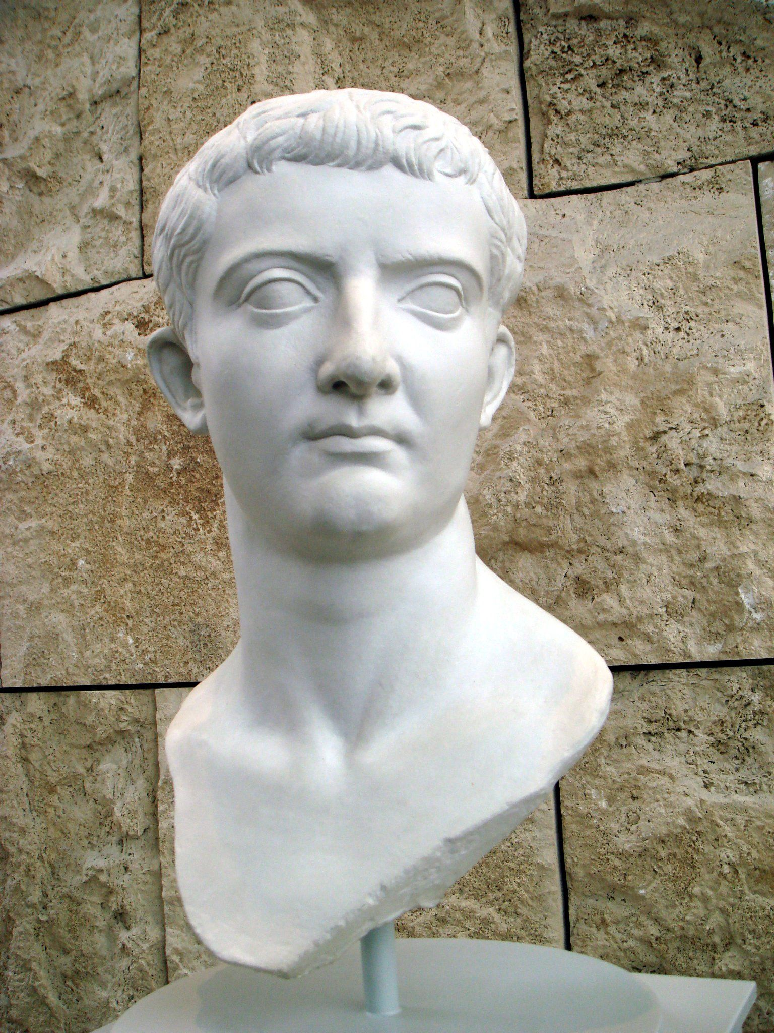 tiberius claudius nero caesar essay example The julio-claudian emperors of ancient rome were from the family of julius caesar or rather his sister julia, and that of the first husband of the wife of augustus caesar, tiberius claudius nero.