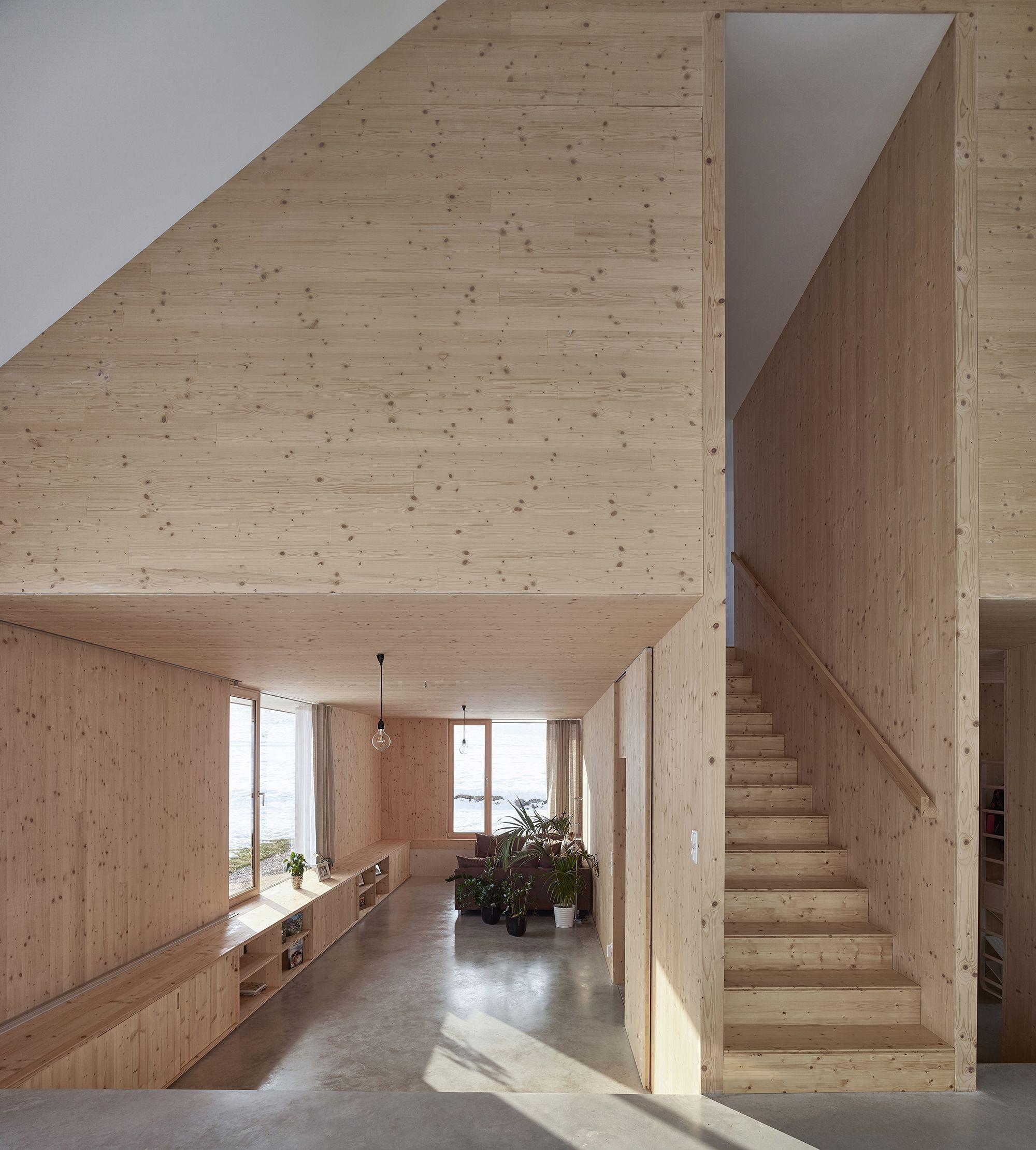 Monumentale Einfachheit Haus mit Giebel von mia2
