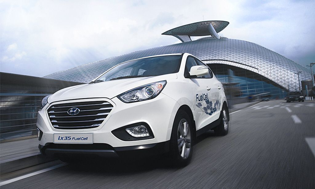 8eaaee58fc38 The first hydrogen powered fuel cell production vehicles will soon be  arriving in the UK with the arrival of the Hyundai Fuel Cell vehicle.