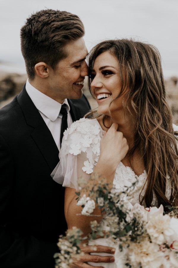 Premier coup d'œil au lever du soleil au parc d'État d'Antelope Island   Mariages Junebug   – wedding