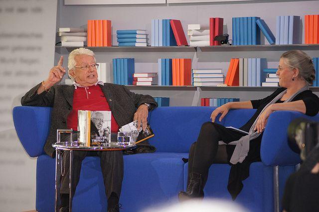 Dieter Thomas Heck im Gespräch mit Marie Sagenschneider by Das blaue Sofa, via Flickr