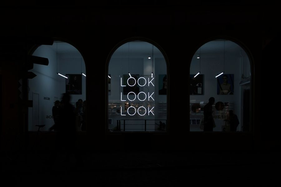 Occult Studio's second Ace & Tate store exhibits sunglasses like art in a gallery - News - Frameweb