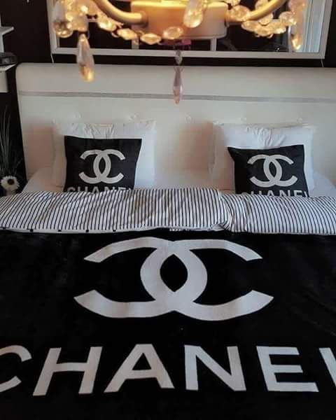 Lady Lylou Photo Chanel Decor Bedrooms Bed Decor Beautiful Bedding Linens