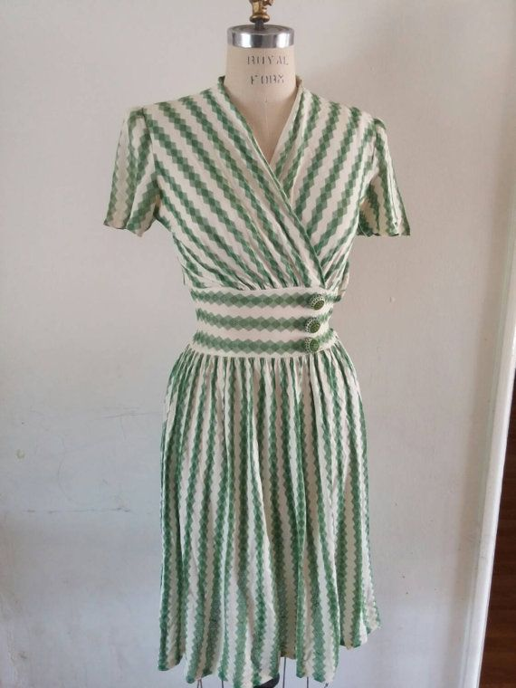 Hey, I found this really awesome Etsy listing at https://www.etsy.com/listing/231722960/vintage-1940s-40s-new-york-creation