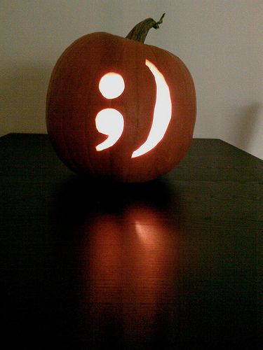 Decorate your home for Halloween using pumpkins Scary pumpkin - how to decorate home for halloween