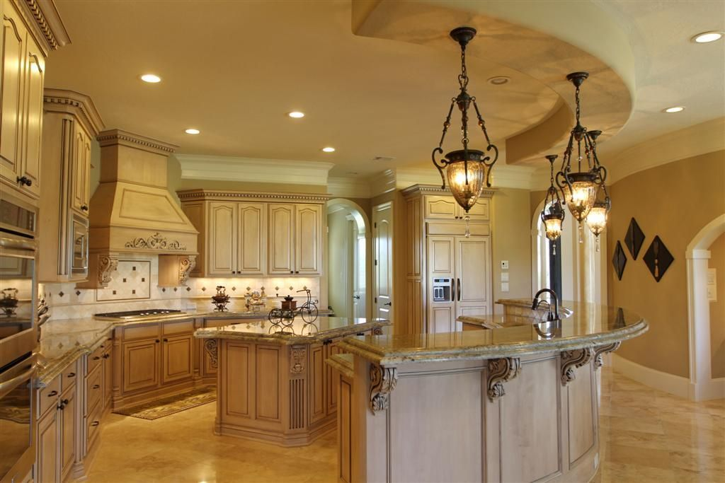 Huge kitchen - very open | Dining room layout, Cool ...