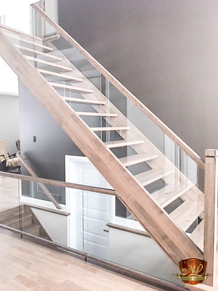 Escalier En Merisier Avec Limon Decoupe Et Marches 1 5 8 D