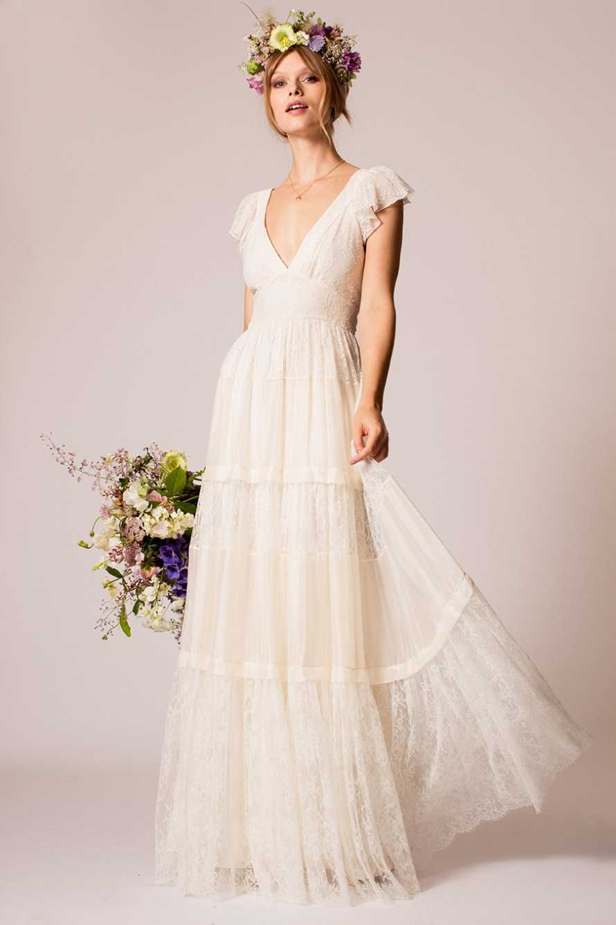 Temperley London Fall 2016 Wedding Dresses Inspired By Old School Hollywood Glamour And Film Noir Icons Drawing On A Rich Heritage To Create The Ultimate