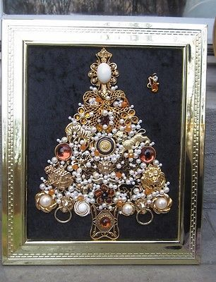 VINTAGE OOAK FRAMED COSTUME JEWELRY CHRISTMAS TREE JUNGLE FEVER ART BY  MICHELLE e200de53a04