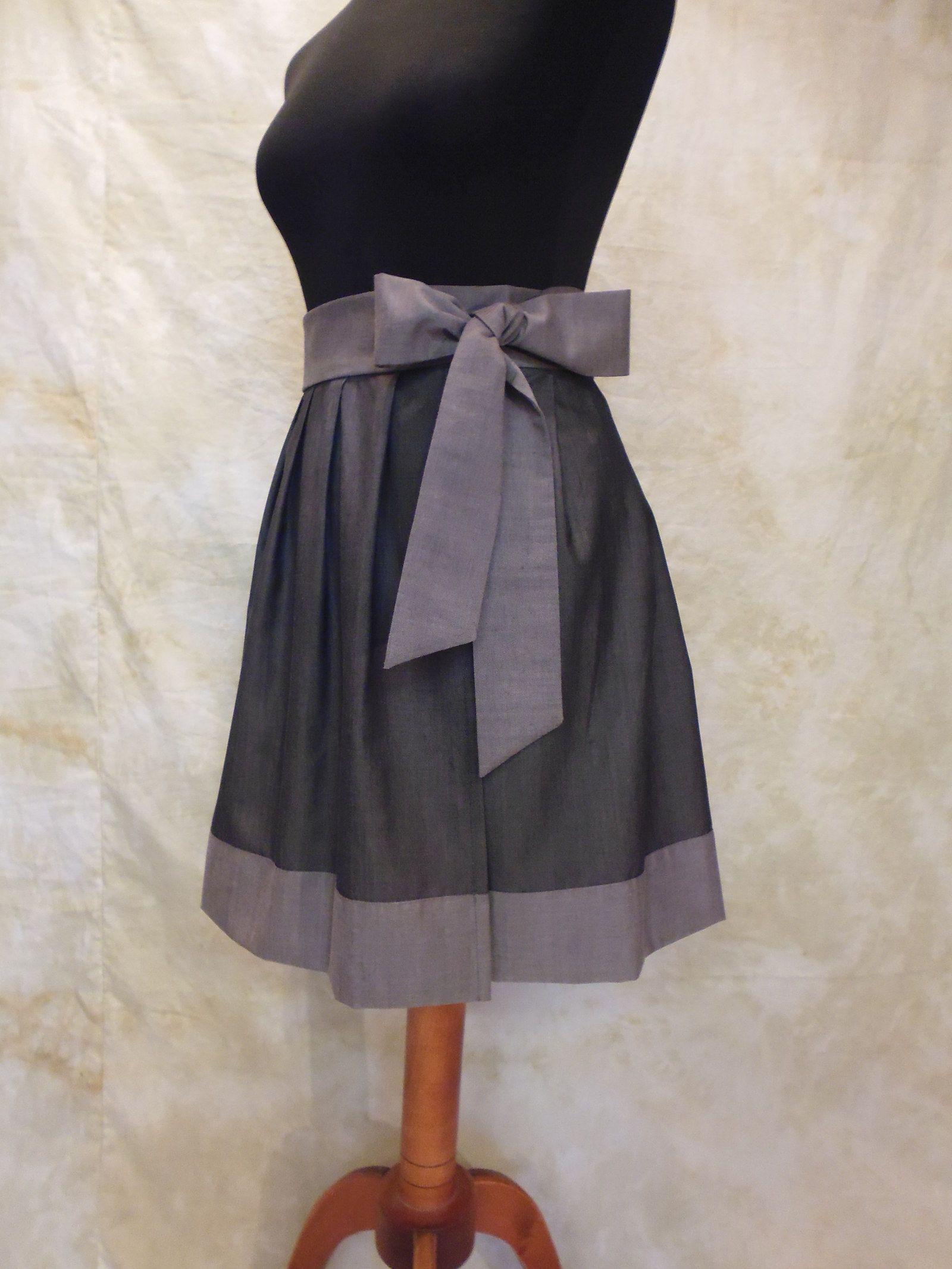 71a20c7a5f5 VLNĚNÁ SUKNĚ TROCHU JINAK Vlněná zavinovací sukně z velmi kvalitního  italského šedého materiálu. Díky svému
