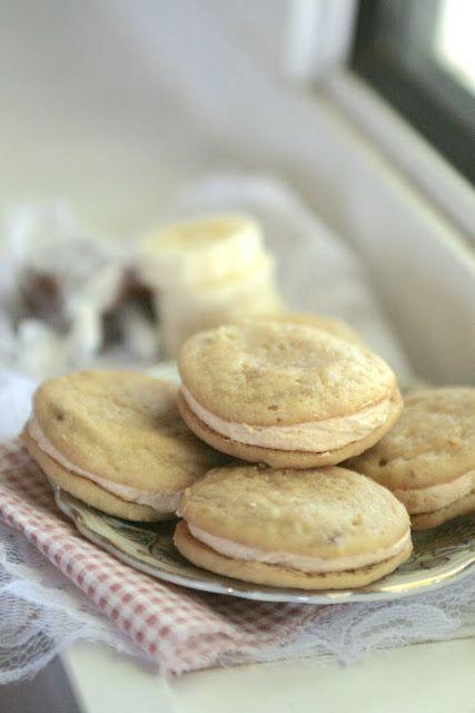 Indigo Scones: Banana Caramel Whoopie Pies