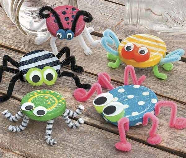 DIY Bastelidee mit Deckeln - Lustige Spinnen #birdhouses
