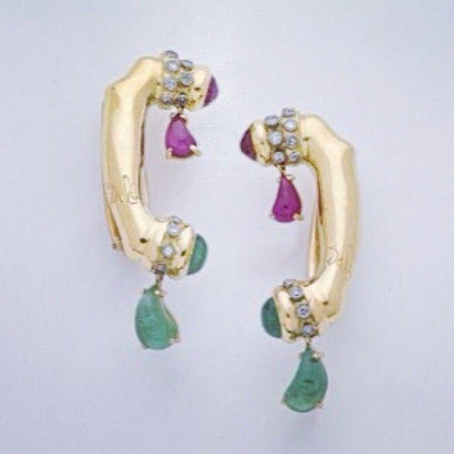Elsa Schiaparelli telephone earrings. #love #surrealism #dali #jewelry #hello #design