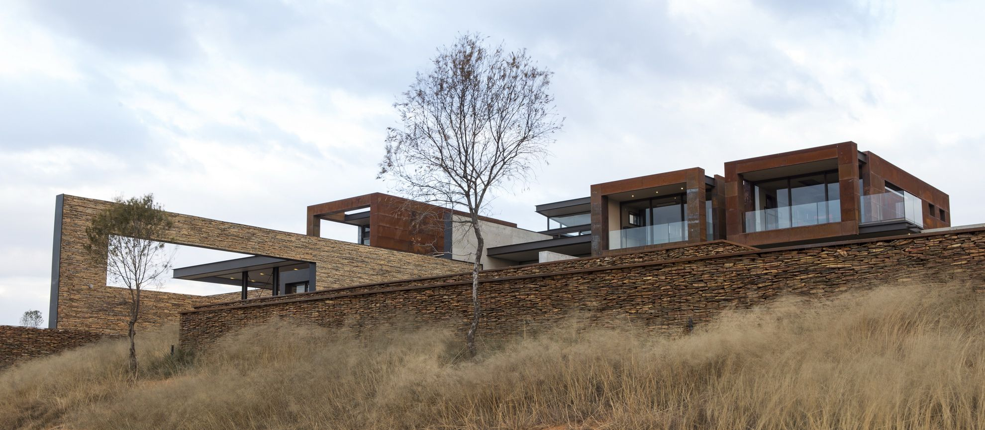 decor house 2 pretty design decor house lam nico van der meulen decor house House Boz | Outside | Nico van der Meulen Architects #Design #Landscape  #RustedSteel #Architecture