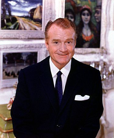 Red Skelton, Writer: The Red Skelton Show. The son of a former circus clown turned grocer and a cleaning woman, Red Skelton was introduced to show business at the age of seven by Ed Wynn, at a vaudeville show in Vincennes. At age 10, he left home to travel with a medicine show through the Midwest, and joined the vaudeville circuit at age 15. At age 18, he married Edna Marie Stilwell, an usher who became his vaudeville partner and later ...