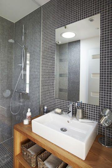 Couleur salle de bains  La sobriété du0027une salle de bains en gris ou - petit carreau salle de bain