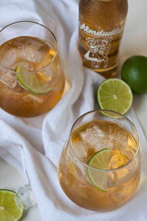 Gin Dudl. Für diesen erfrischenden Sommerdrink braucht ihr nur vier Zutaten und fünf Minuten Zeit. SO gut - kochkarussell.com #nonalcoholicsummerdrinks