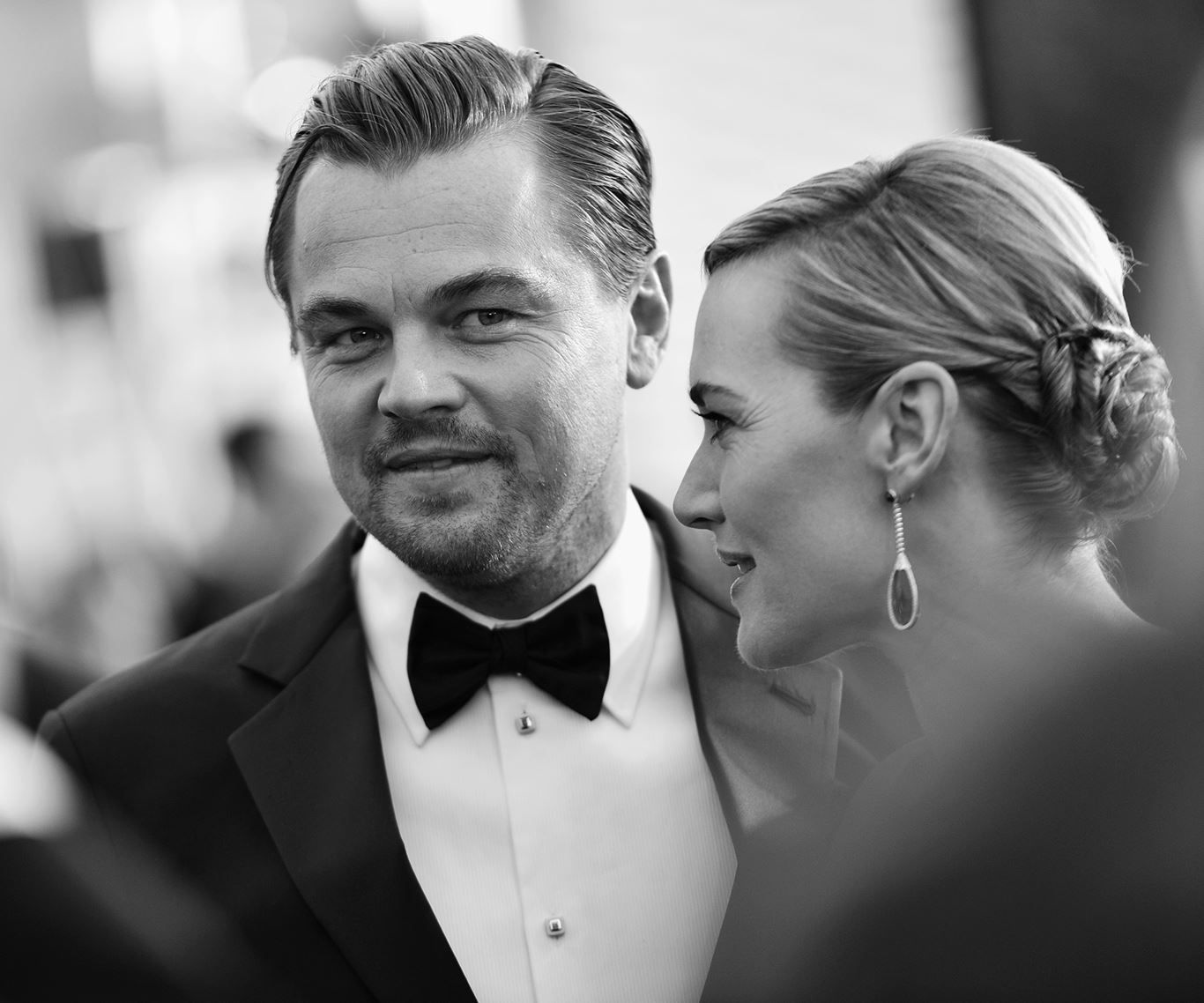 Kate Winslet and Leonardo Di Caprio walk the red carpet together at the SAG Awards on Saturday night.: [object Object]
