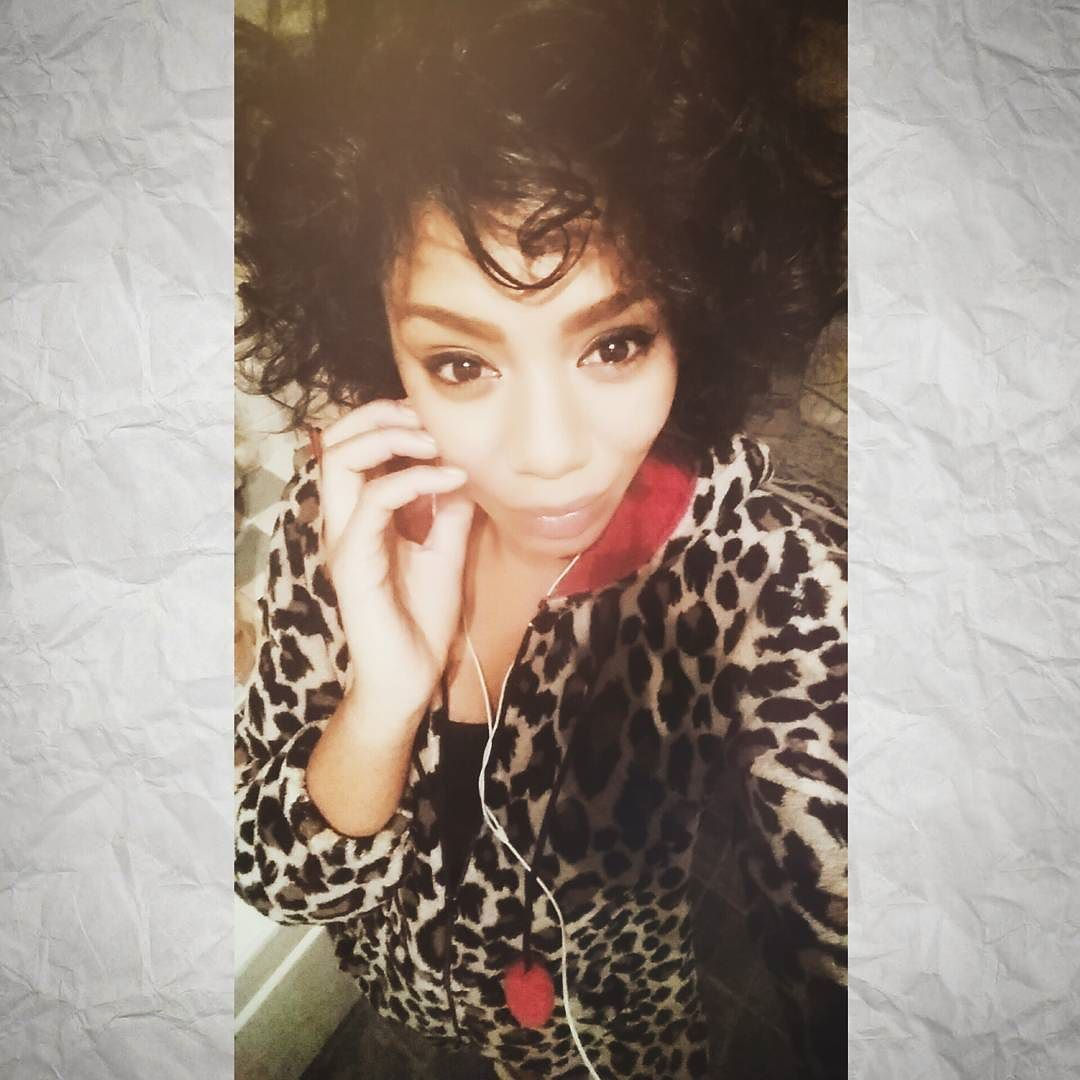 In my eyes you will discover the truth of my soul ......Look & you shall find  #beyou #beautifullyflawed #soul #selfie #onsie #oddball #singer #writer #mywords #wisdom #blogger #afro #wild #meditation #smile #peace #loveenergy #positivevibes #mystical #Blues #truth #lifeblogger #divastyle #eva #diva  by evadivahhh