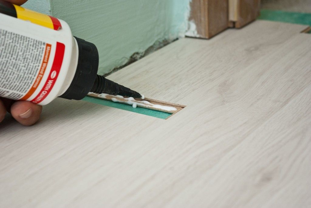 How to lay laminate flooring around doors Installing