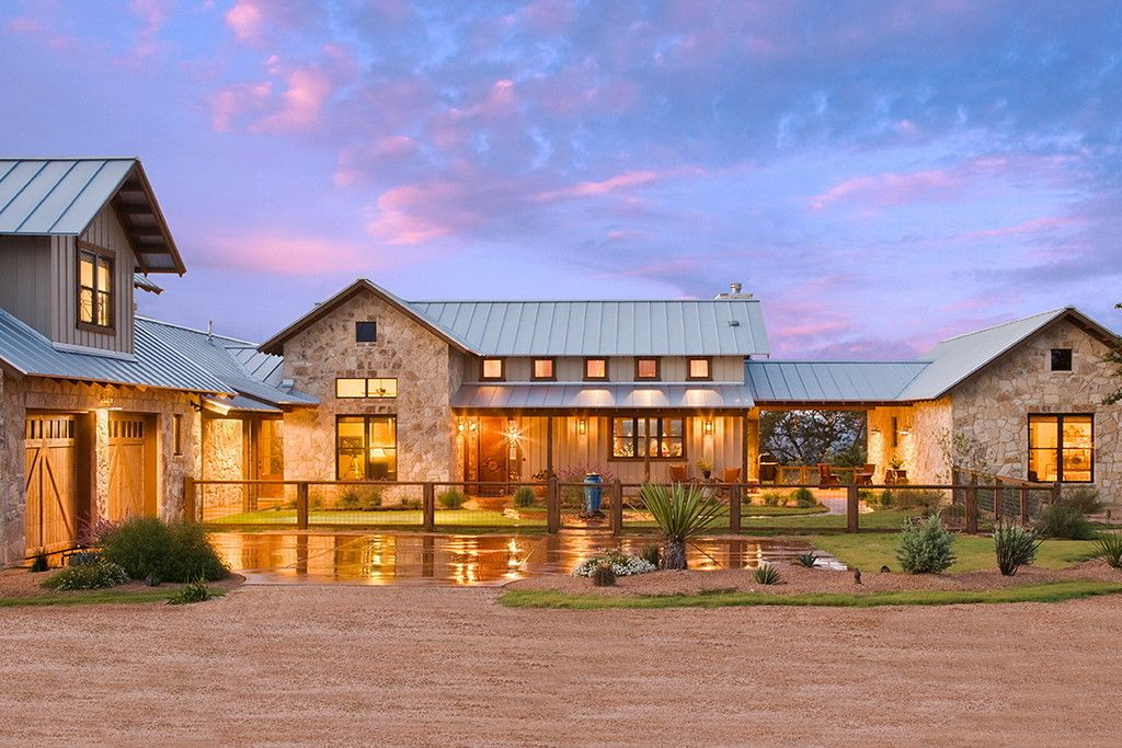 High Ridge Ranch Burlesondesigngroup Ranch House Exterior Ranch House Designs Hill Country Homes