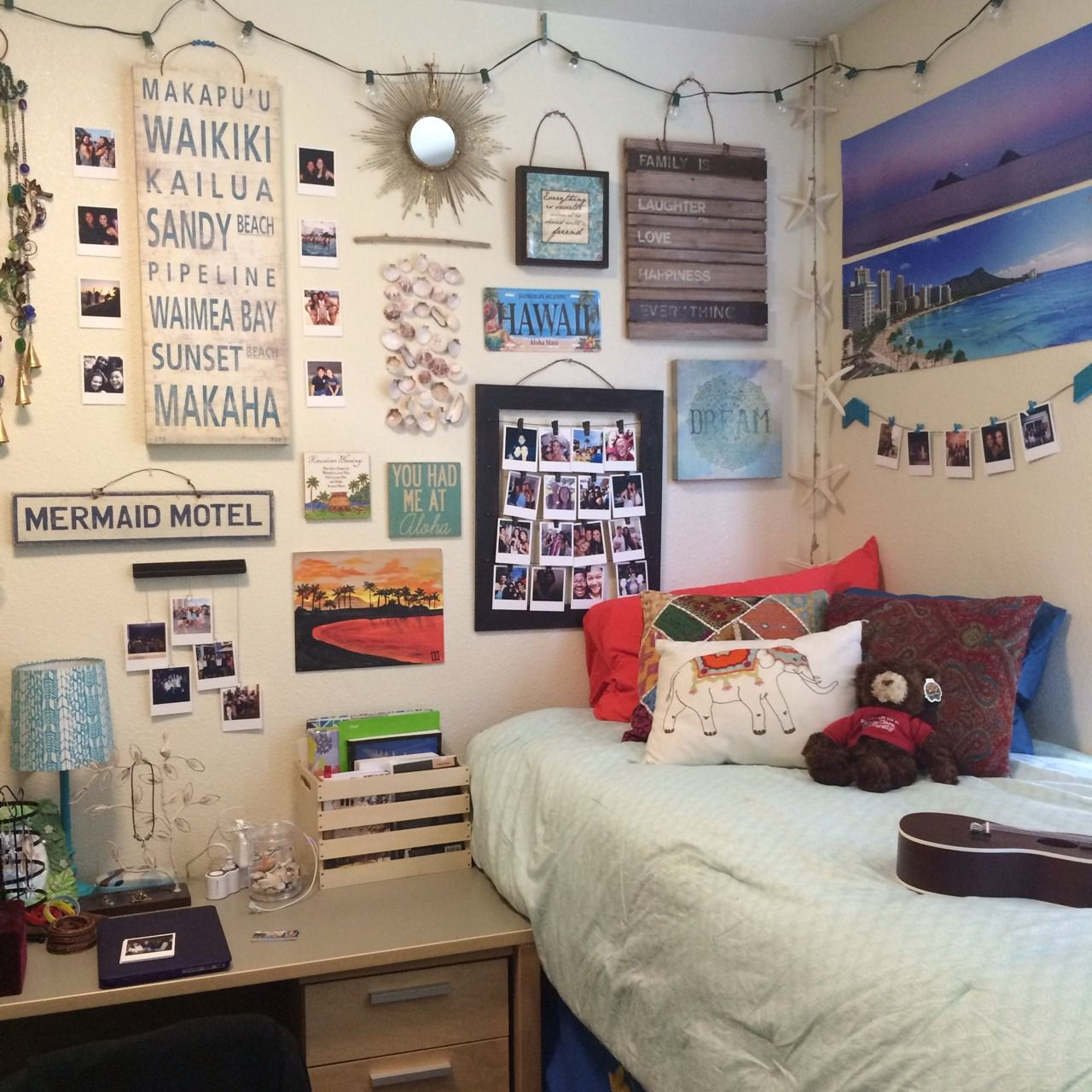 How to make your dorm room feel like home dorm inspo - Things to put on a wall ...