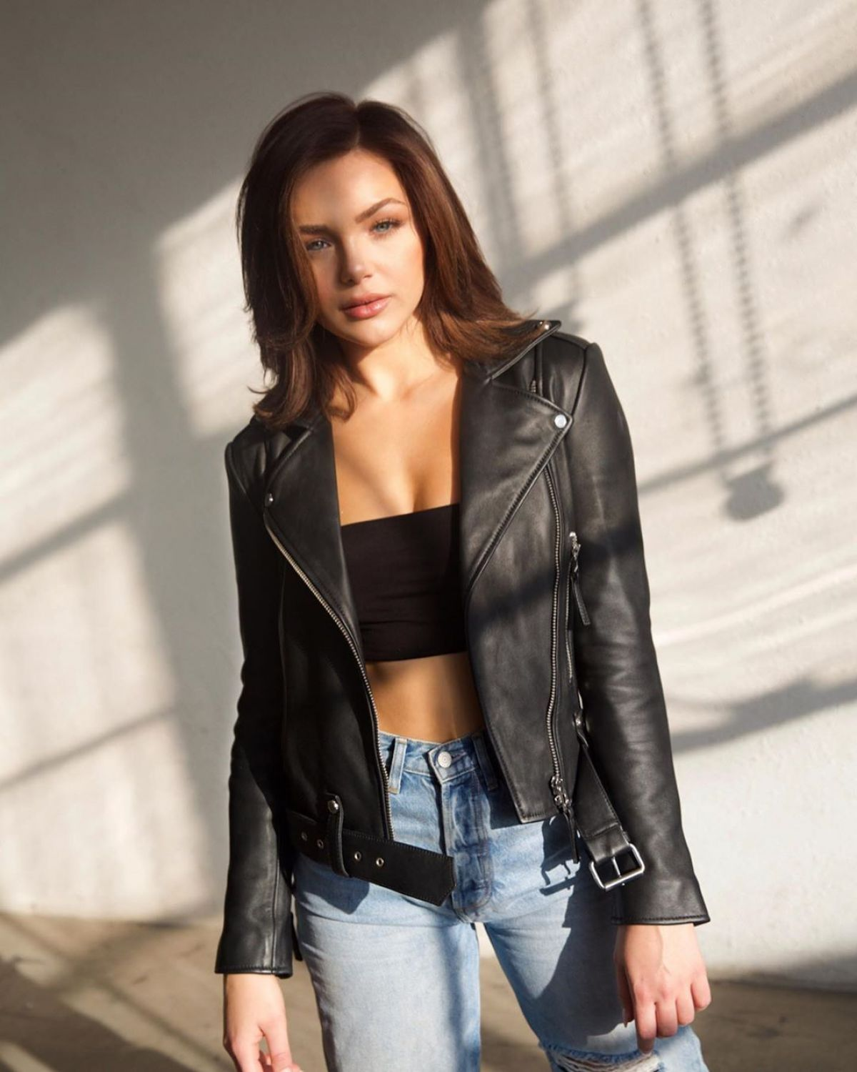 Oana Gregory In Ripped Denim And Leather Jacket Instagram Photos 02 27 2020 Ripped Denim Leather Jacket Girl Leather Jacket [ 1500 x 1200 Pixel ]