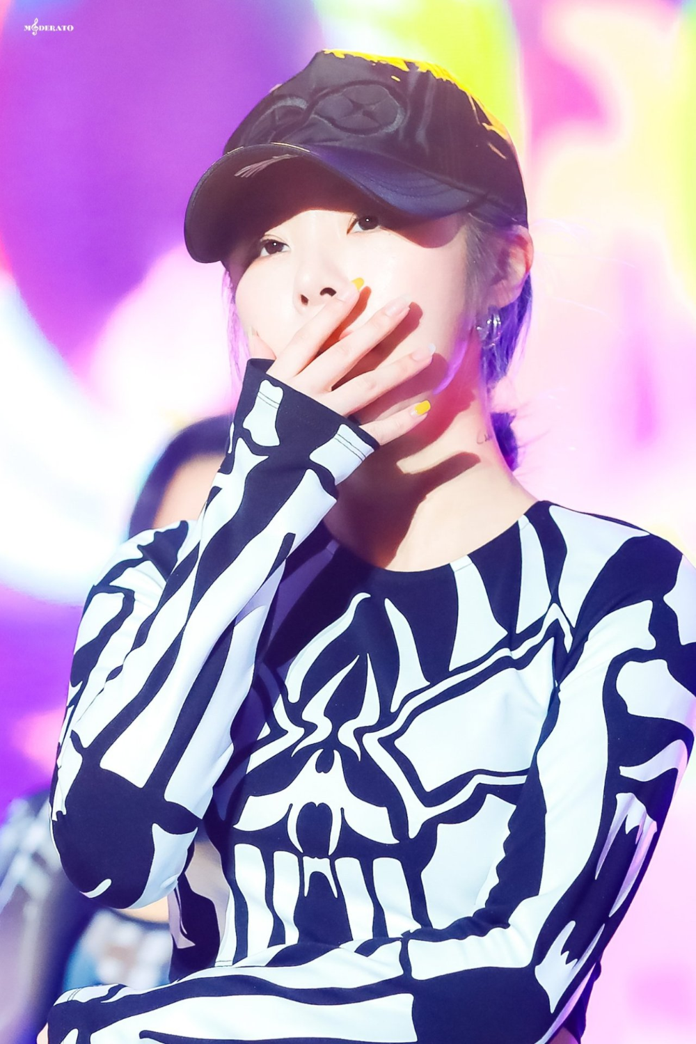 Pin By Sarah S On Artsy Wheein Mamamoo Mamamoo Kpop Girls