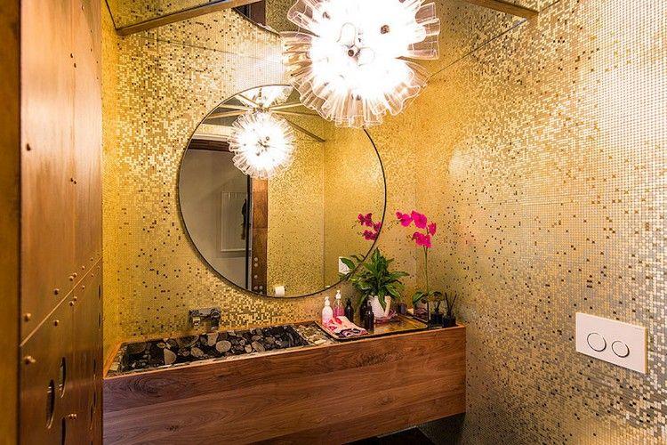 salle de bain moderne avec revêtement mural en mosaïque en pâte de