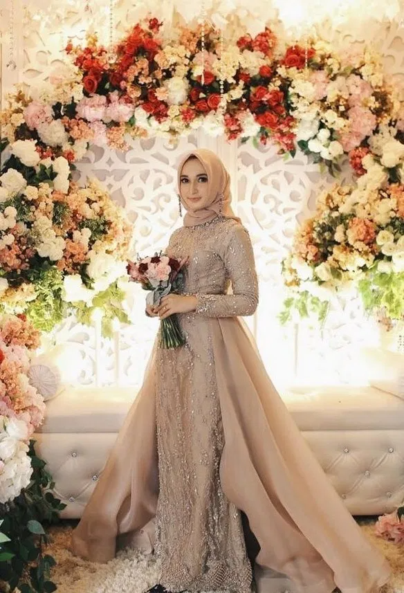 115 Modern Muslim Wedding Hijabs For Brides In Different Styles Di 2020 Pakaian Pernikahan Gaun Pengantin Sederhana Pengantin Wanita