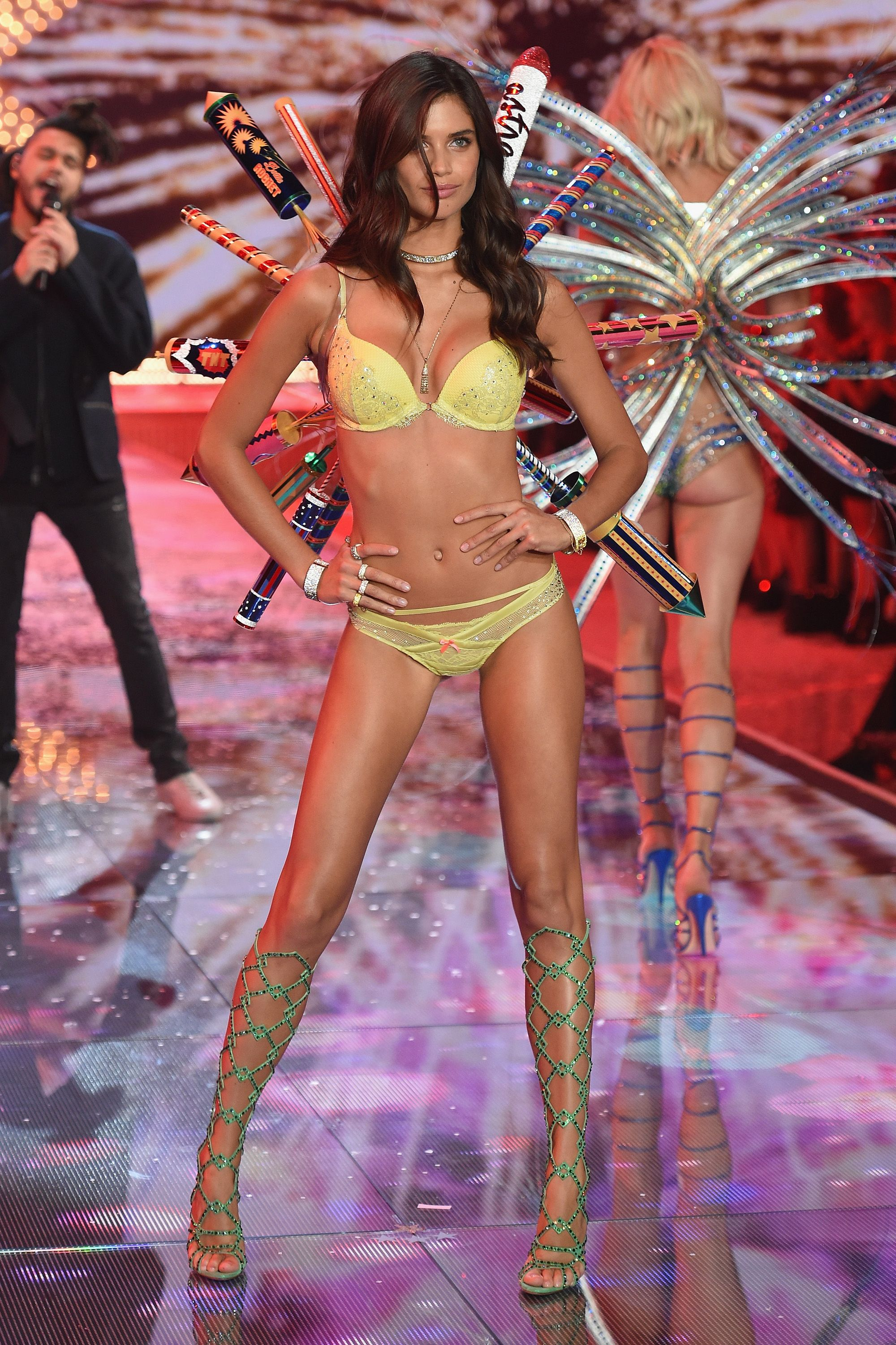 See Gigi Hadid And Kendall Jenner At Their First Victoria 39 S Secret Fashion Show Sara Sampaio