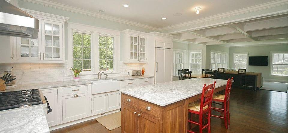 Pin by Jane Sanzen on Kitchen | Kitchen, Kitchen cabinetry ...