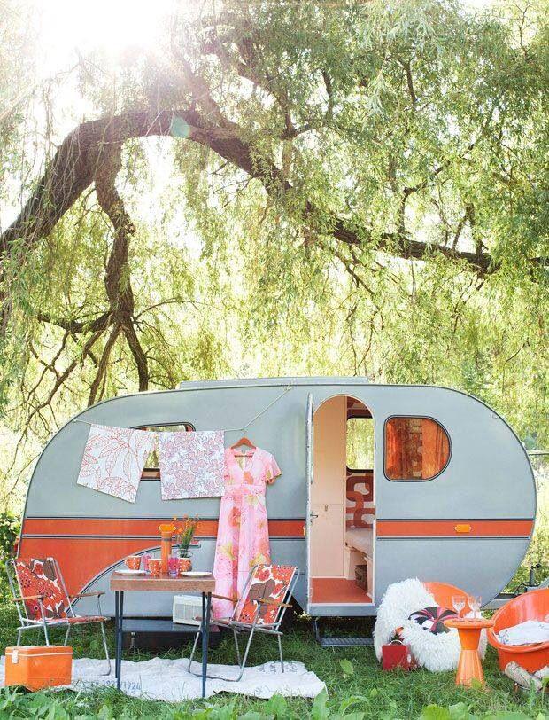 Vintage Camper - Love the colors! | CAMP | Pinterest | Caravana ...
