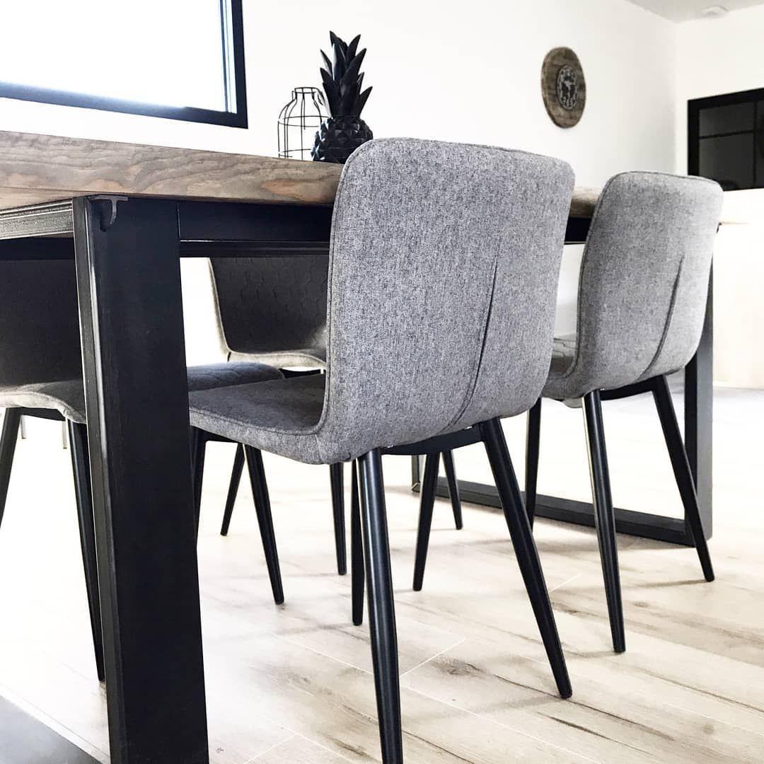 Meubles Design Et Tendances Pour Votre Salon En 2020 Salle A Manger Grise Meuble Design Salle A Manger Industrielle