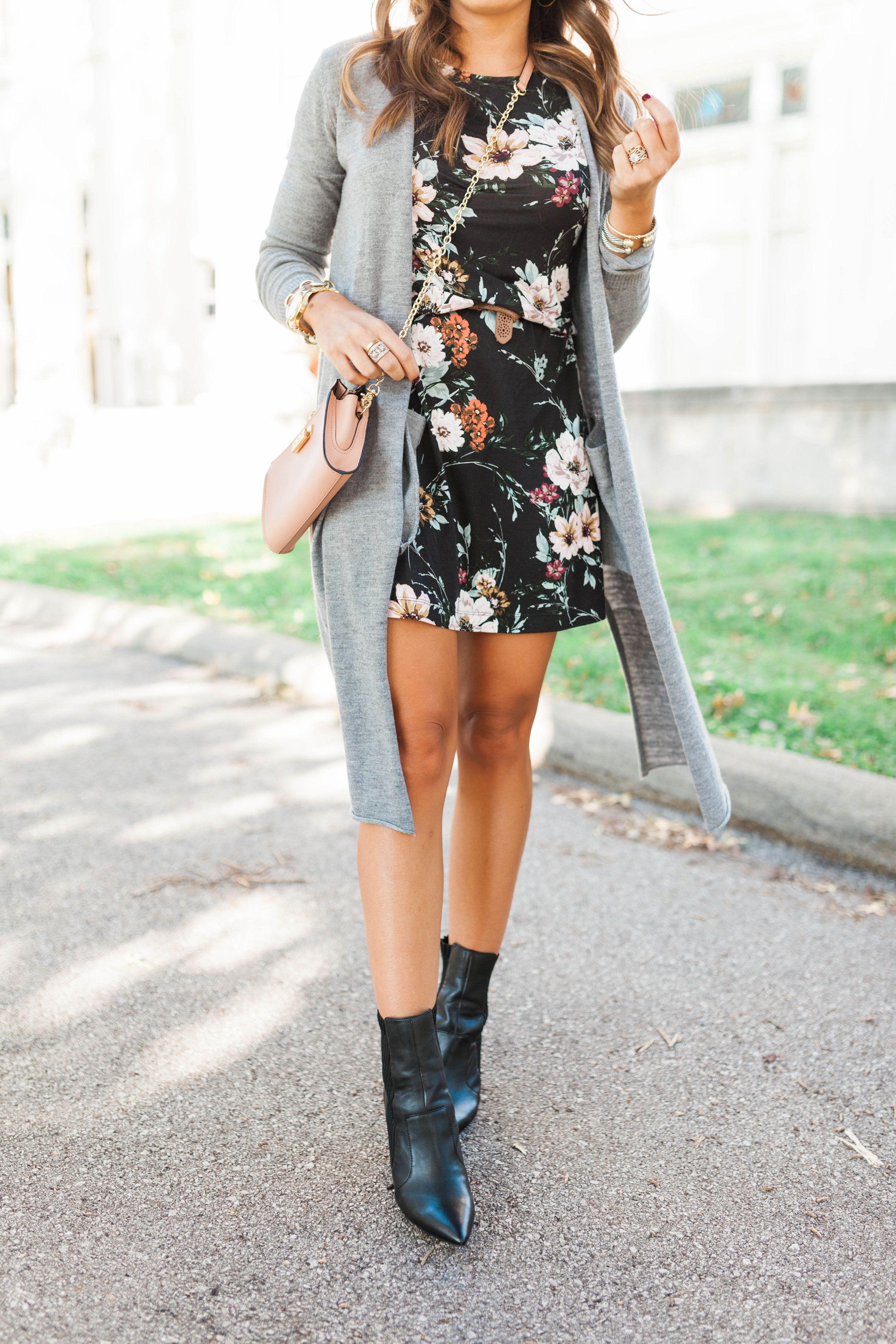 Black Floral Dress Glitter Gingham Spring Fashion Outfits Floral Dress Outfits Floral Outfit Spring [ 4000 x 2667 Pixel ]