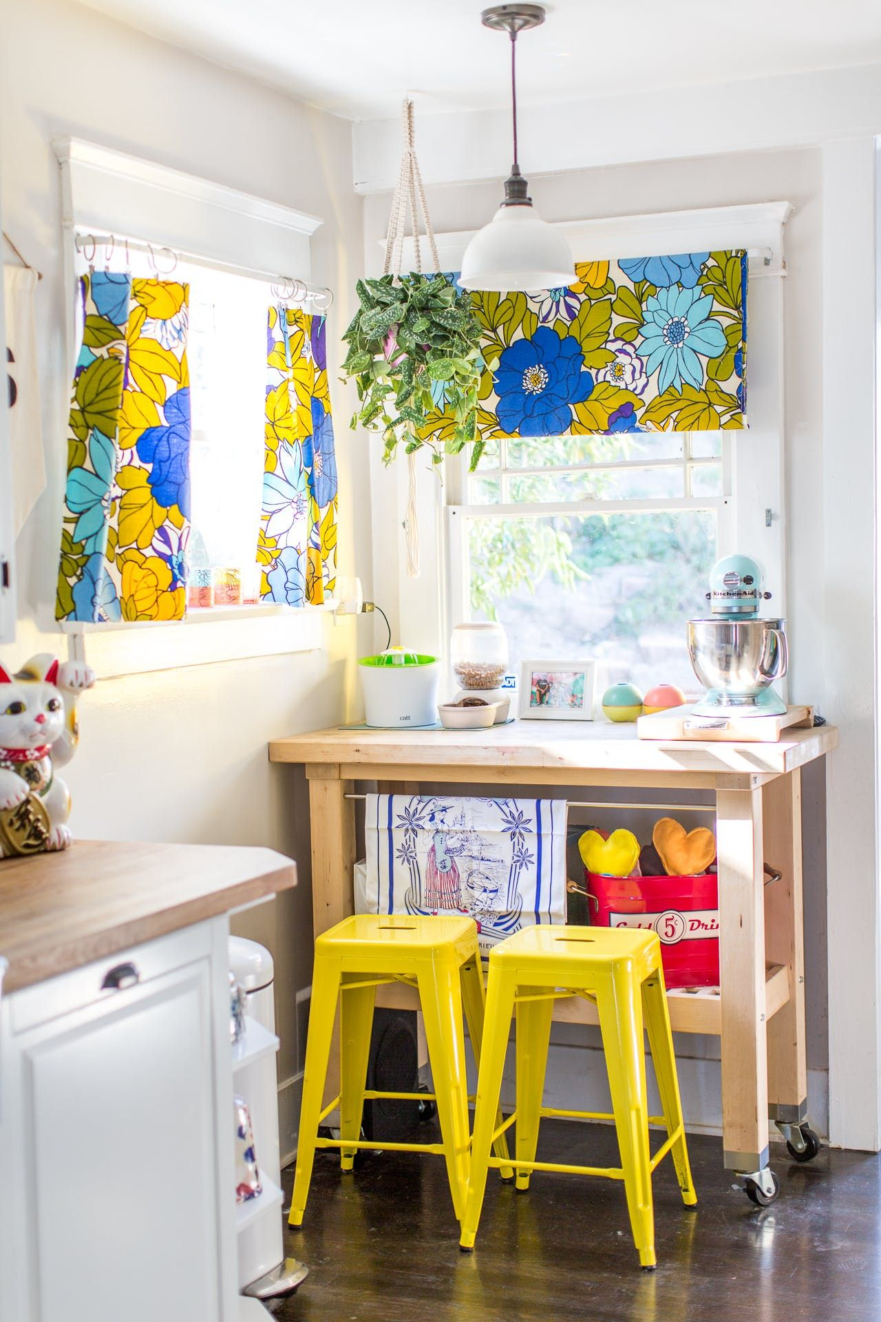 This Colorful L A Home Is Fantastically Fun And Cheery Kitchen