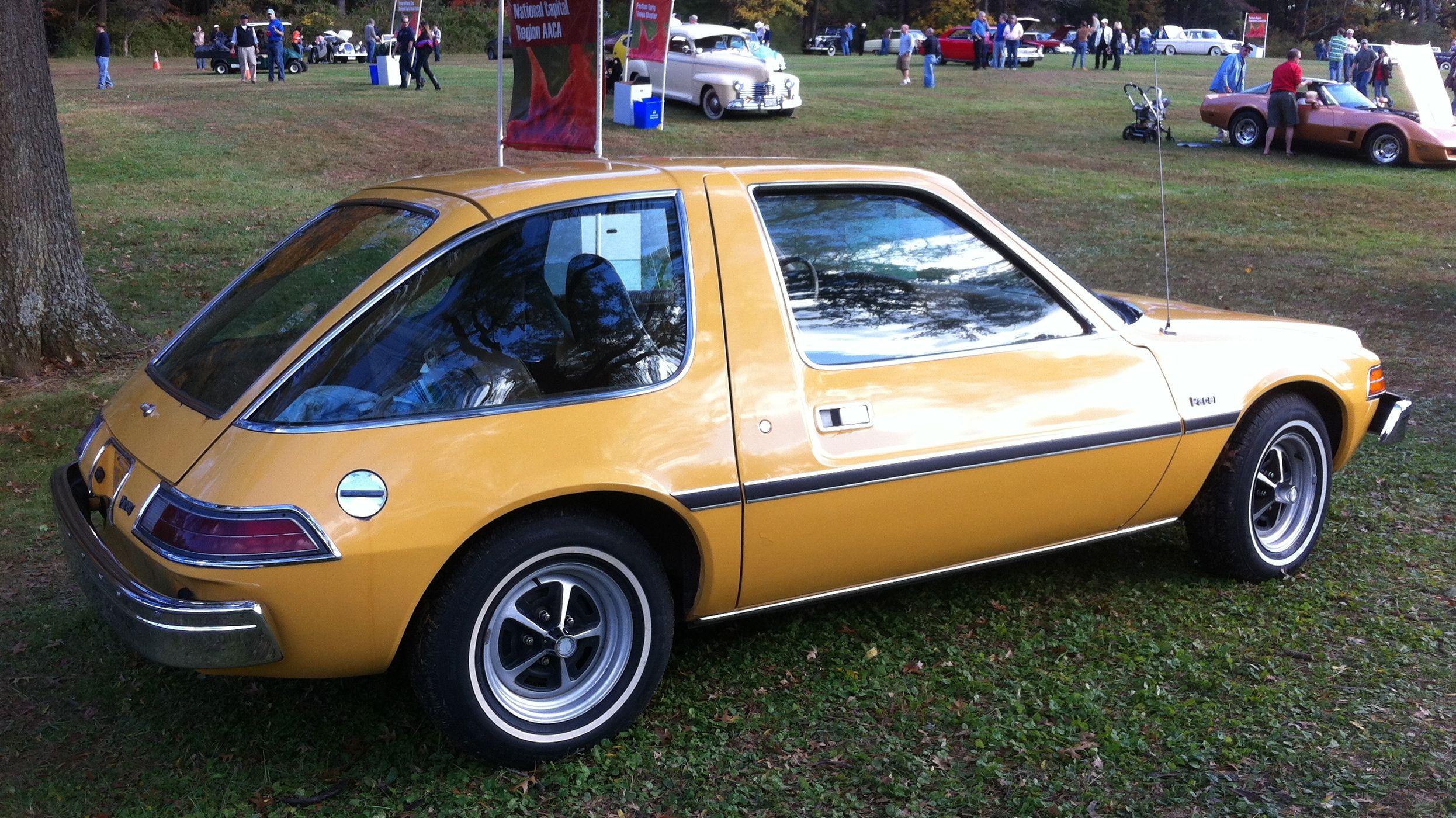 1975 Amc Pacer Base Model At 2012 Rockville S Jpg 2 492 1 400 Pixels Amc Weird Cars Oldsmobile