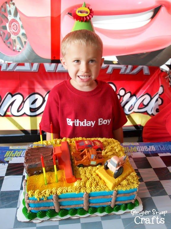 Carsthemed DecoPac cake available at Walmart bakeries