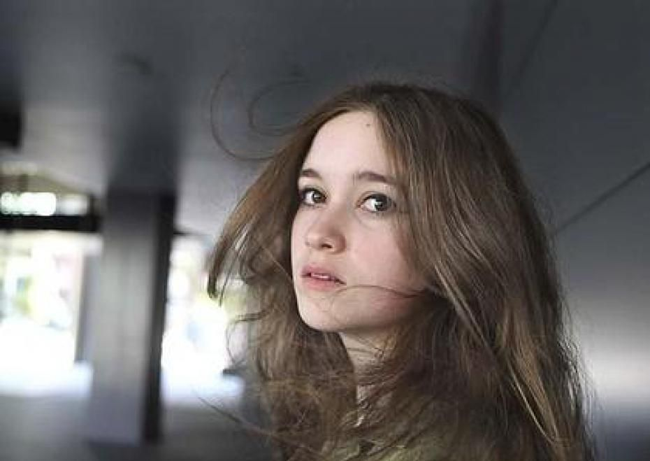 alice englert needle and thread lyrics
