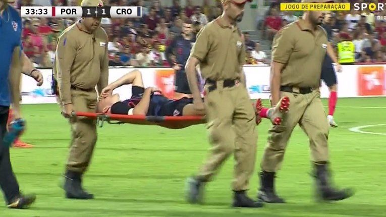 Hazırlık maçında Domagoj Vida şoku! (With images) Soccer
