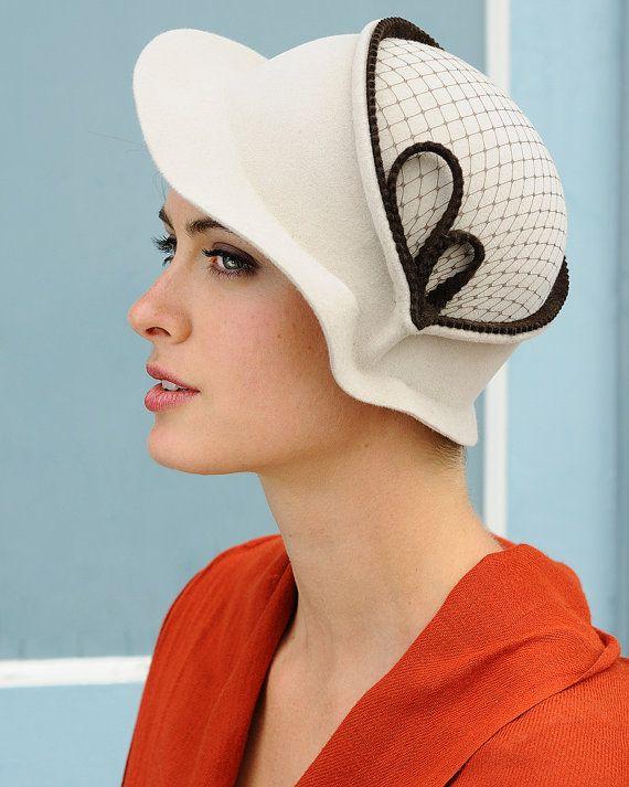 257ac1de64446 Vintage Spring In Brown- white felt hat