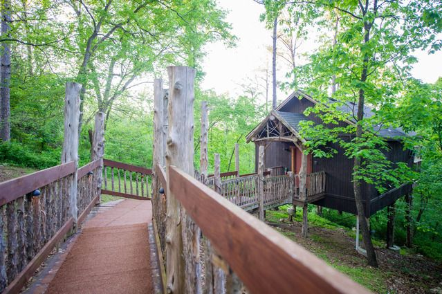The Winery Chateau Treehouse At Oakcreek Cottages And Treehouses In Eureka Springs Arkansas Great Buildings And Structures Tree House Eureka Springs Arkansas