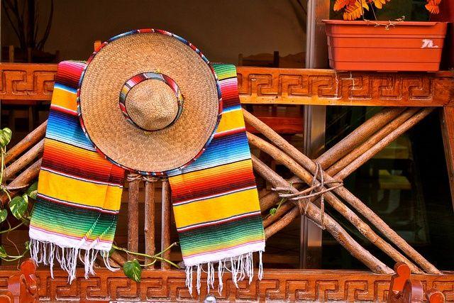 Zarape y sombrero  bc79797fc0d