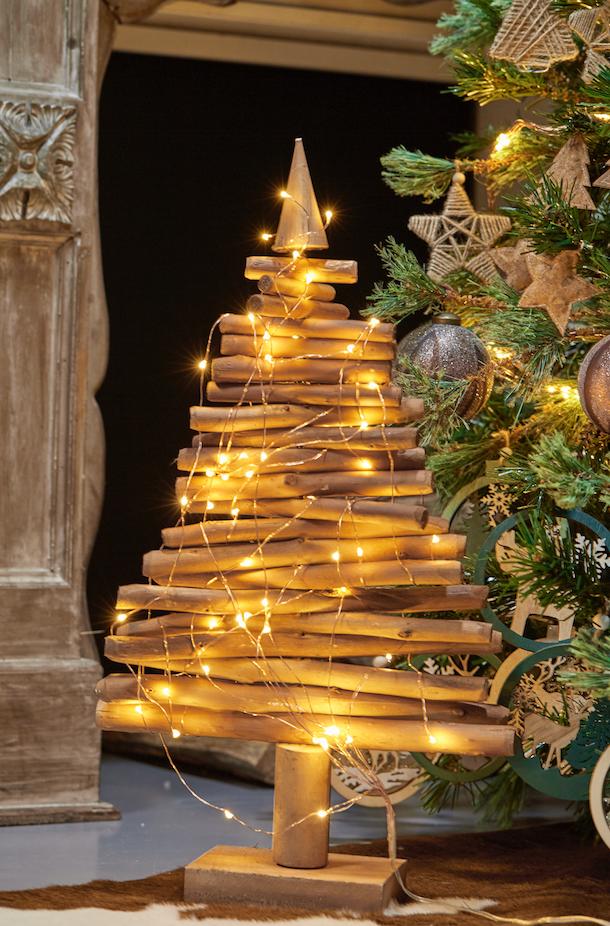Personnage Et Objet Decoratif Avec Images Sapin Noel Bois Sapin De Noel Decoration Noel