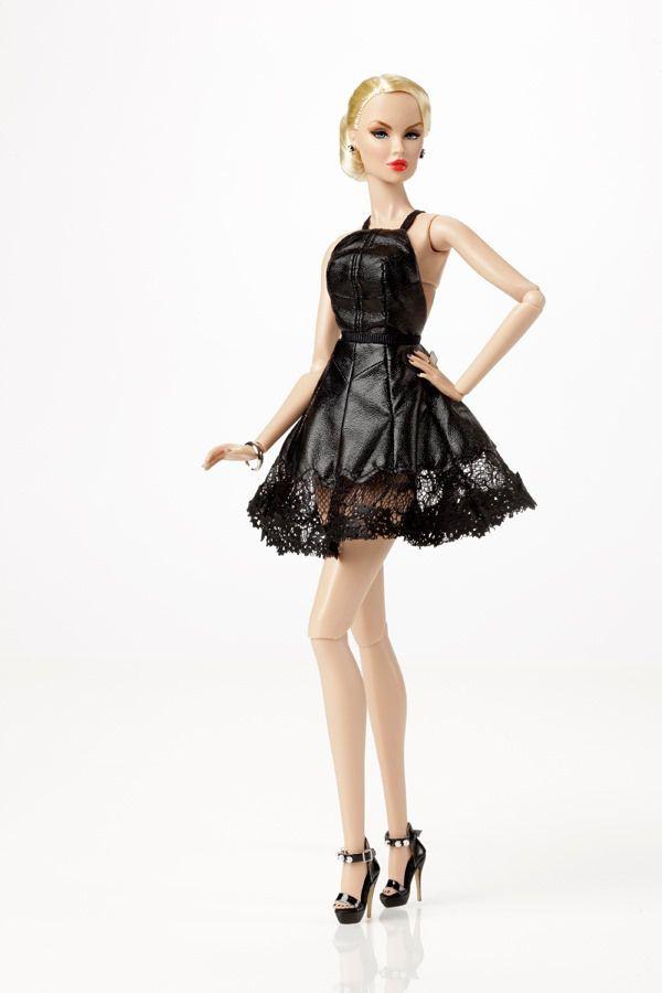 Black Orchid Vanessa // Inside the Fashion Doll Studio