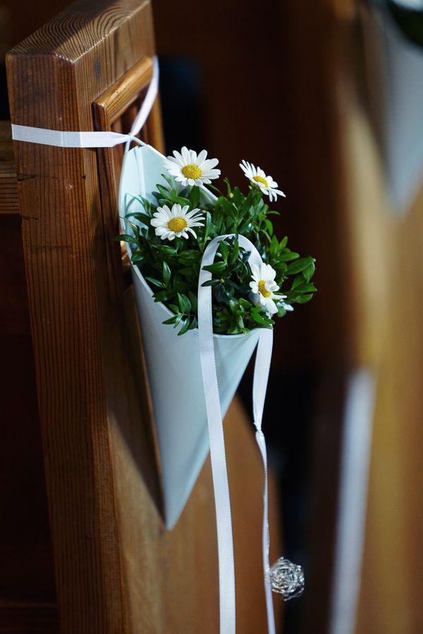 Deko für die Kirche; nach der Kirche könnten wir die Blumen