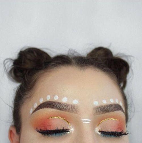 Common zero but chic makeup for good selfies -   10 makeup Festival boho ideas