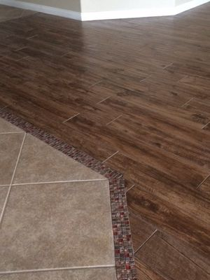 Perfect Glass Stone Mosaic Transition From The Tile To The Wood Look Porcelain Tile Wood Tile Floors Flooring Room Flooring